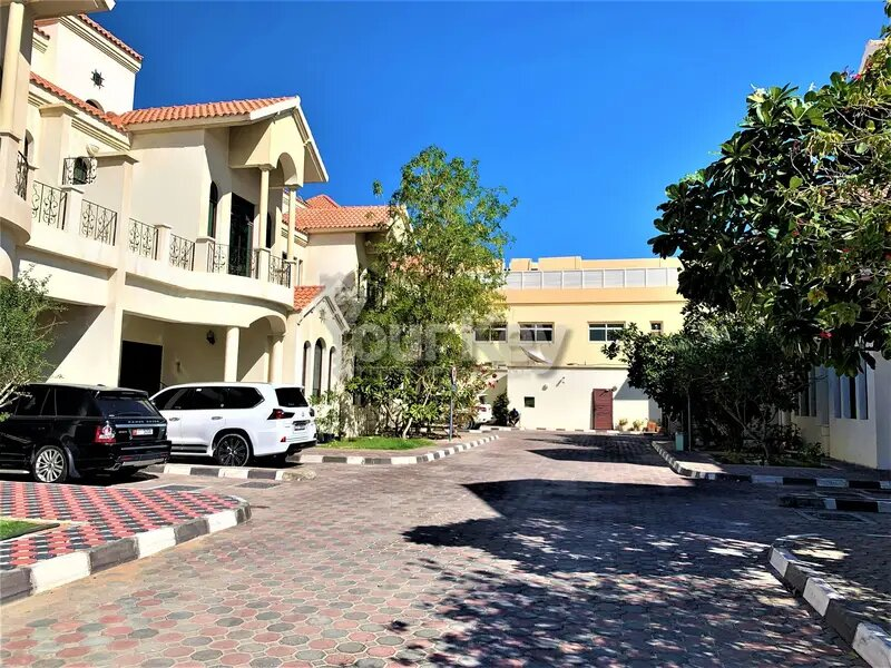 Home To Live, 6BR Villa With Pleasing Balcony